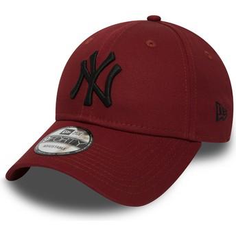 New Era Curved Brim Black Logo 9FORTY Essential de New York Yankees MLB Red Adjustable Cap