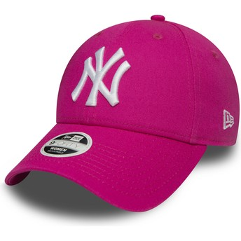 New Era Curved Brim 9FORTY Essential New York Yankees MLB Pink Adjustable Cap