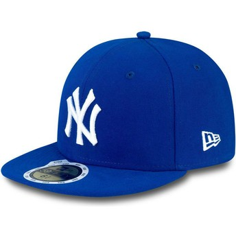 New Era Flat Brim Youth 59FIFTY Essential New York Yankees MLB Blue Fitted Cap